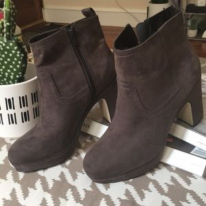 H&M grey suede booties size 10 (40)